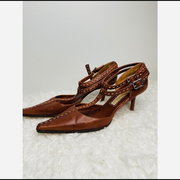 Michael Kors Brown double Strap pointed heels